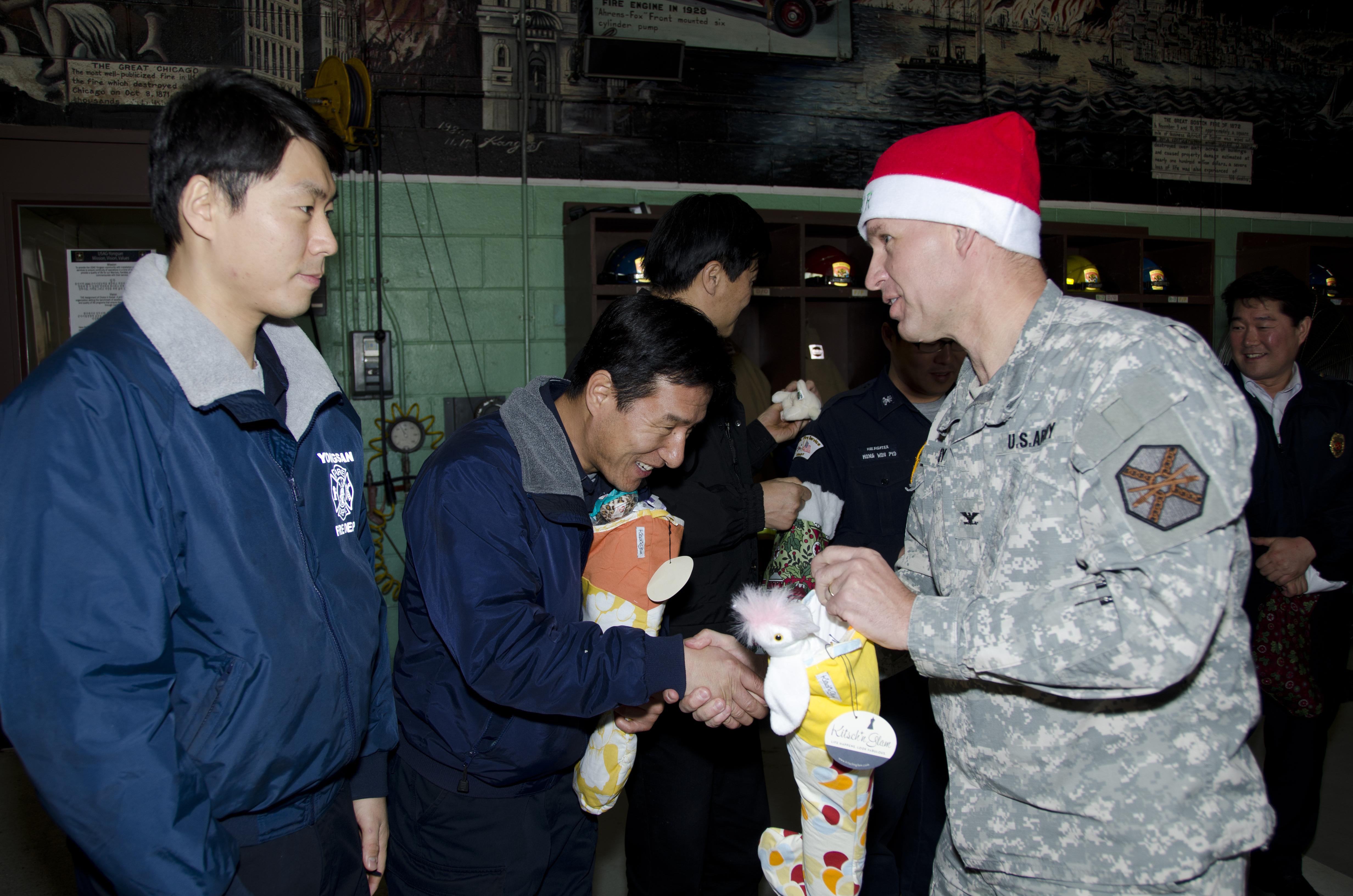 File:Santa Express delivers smiles, treats to Yongsan's