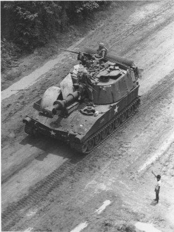 Obús autopropulsado M109 Self-propelled-howitzer-vietnam