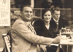 Simon Rawidowicz at a Berlin Cafe 1932
