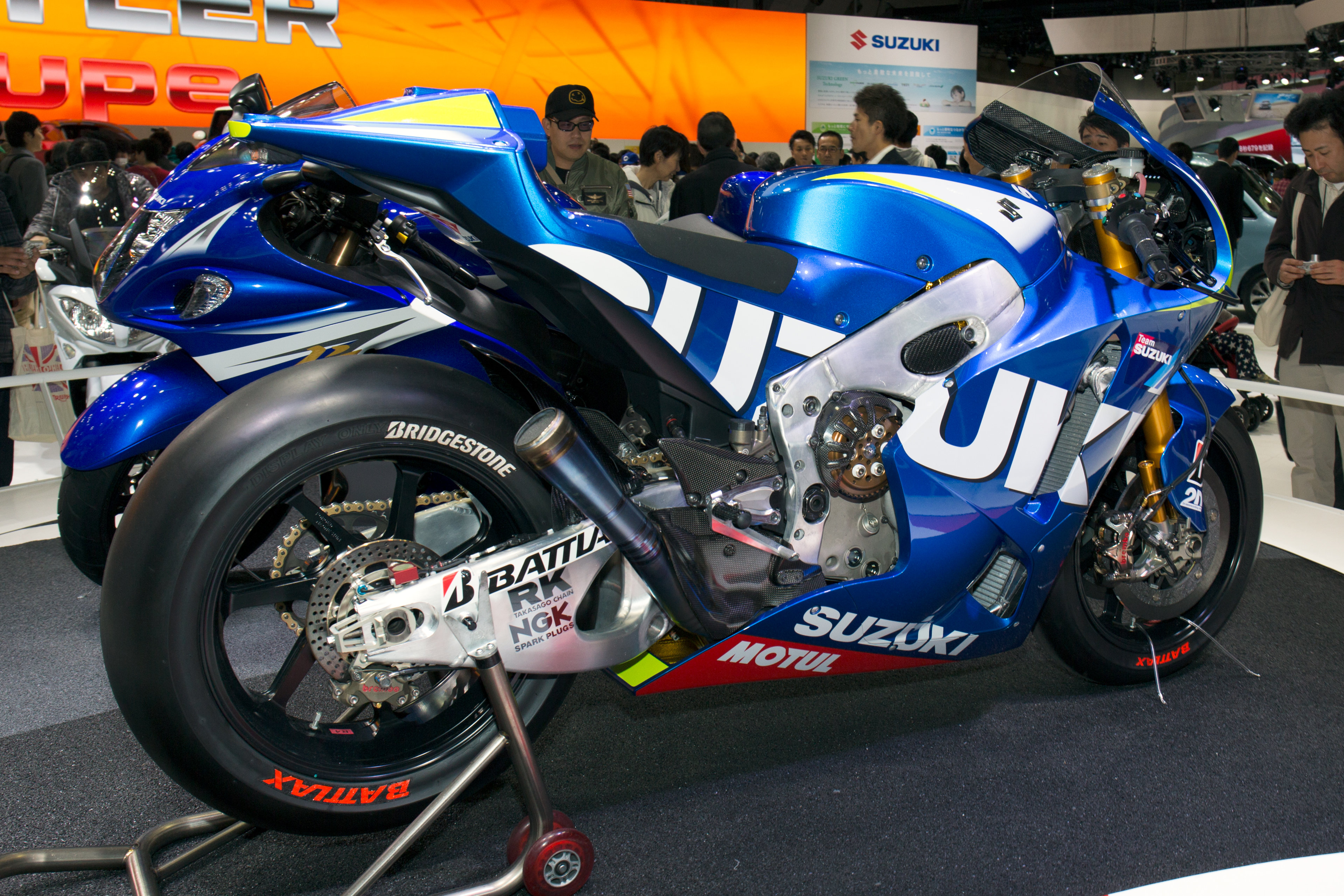 File:Suzuki MotoGP test bike rear-right 2013 Tokyo Motor Show.jpg - Wikimedia Commons