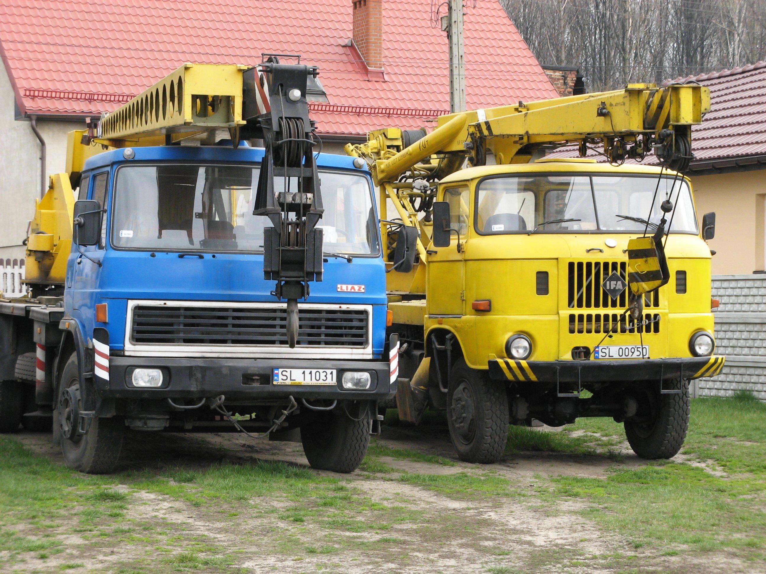 escavatori takraf macchinari industriali TAKRAF_ADK_70_and_LIAZ_crane_Trucks