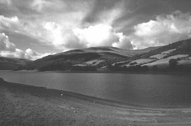 Talybont Reservoir - geograph.org.uk - 101363