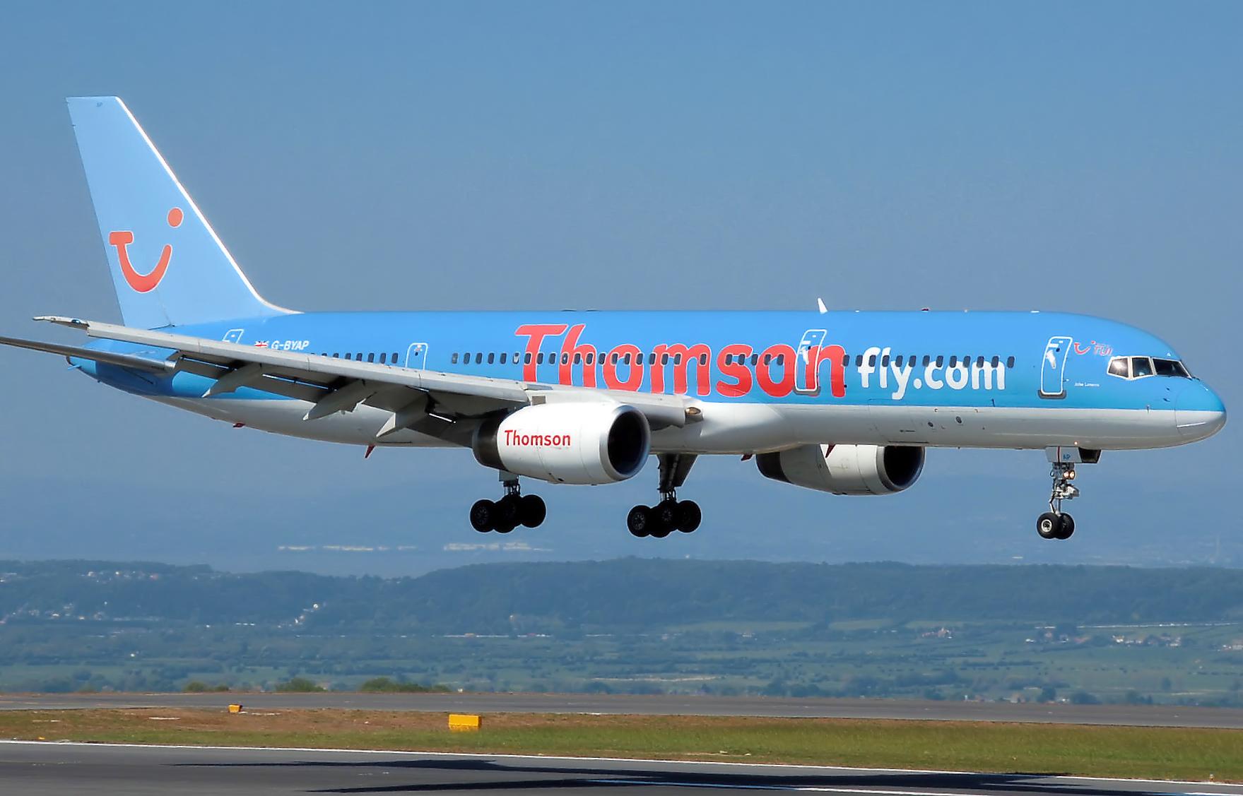 File:Thomsonfly b757-200 g-byap arp.jpg - Wikipedia