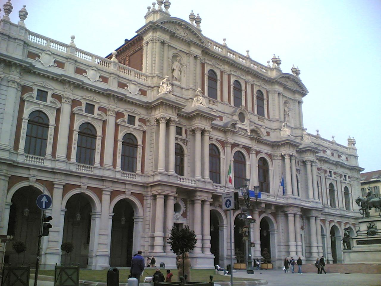 File torino palazzo carignano wikimedia commons for Sede senato italiano