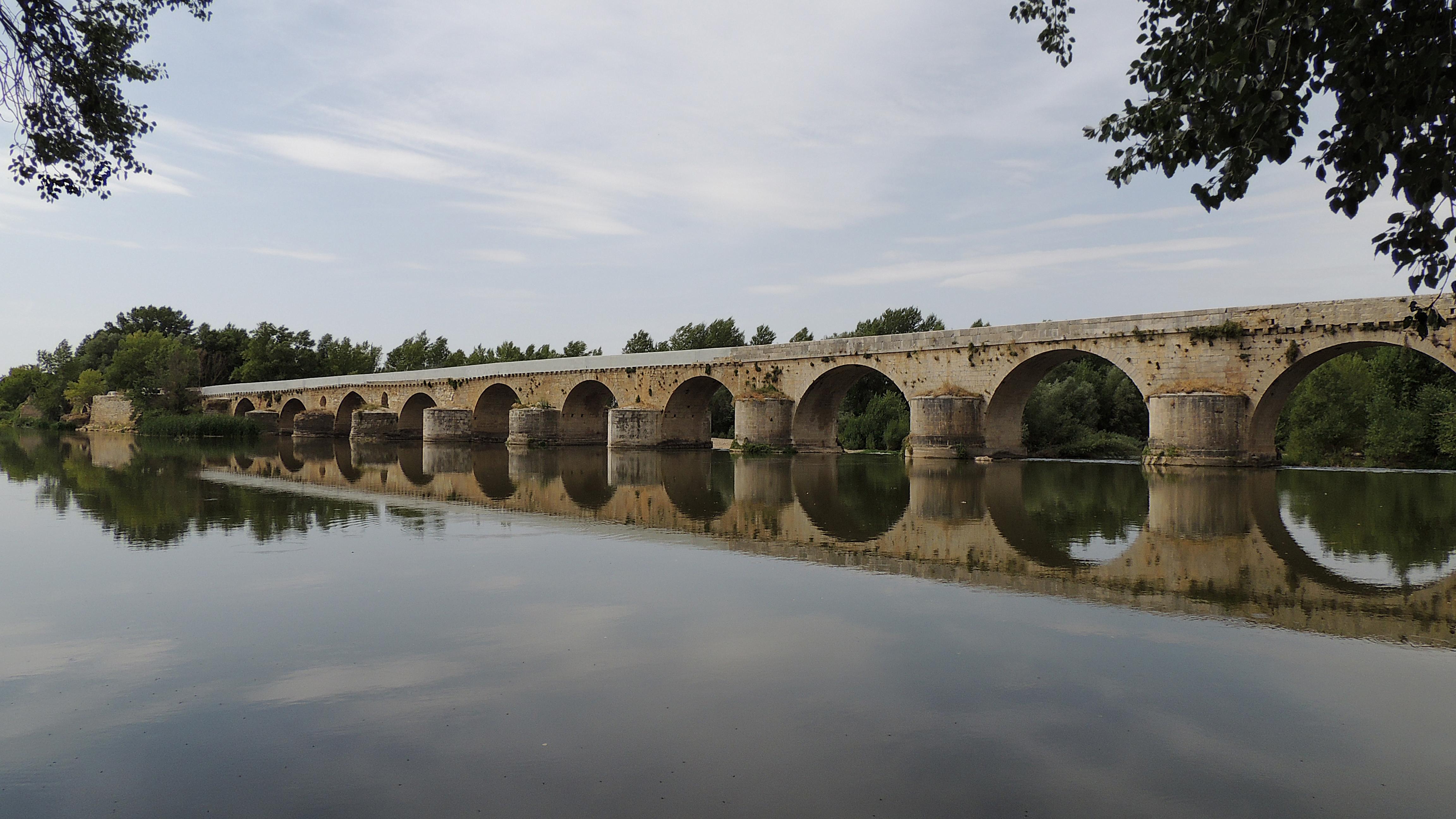 Resultado de imagen de puente mayor sobre el río Duero toro