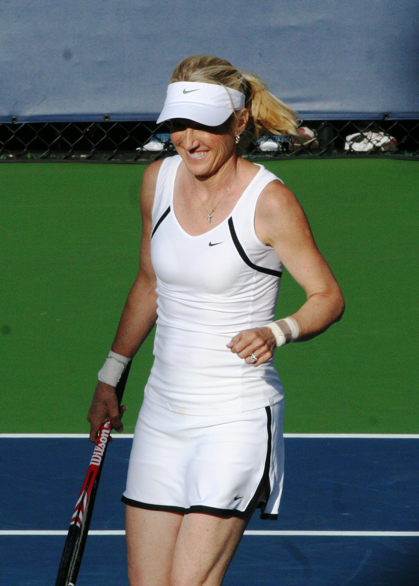 File Tracy Austin at the 2010 US Open 05 Wikimedia mons