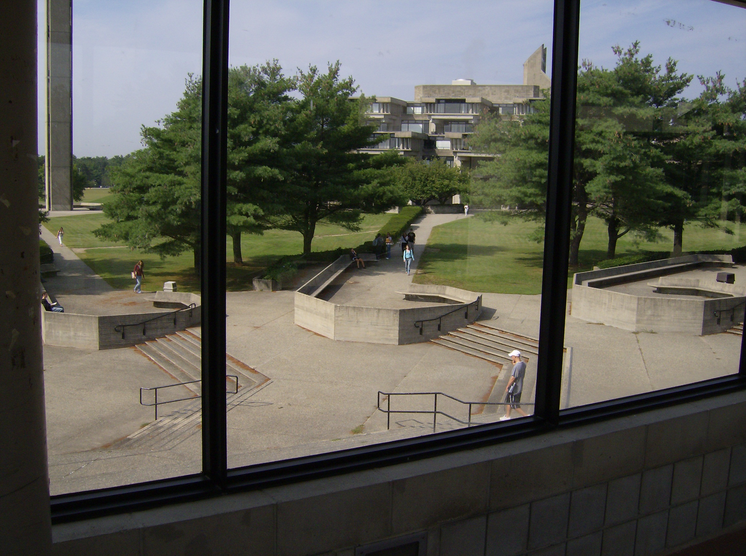 file umass dartmouth 666 jpg wikimedia commons ForUmass Dartmouth Architecture 666