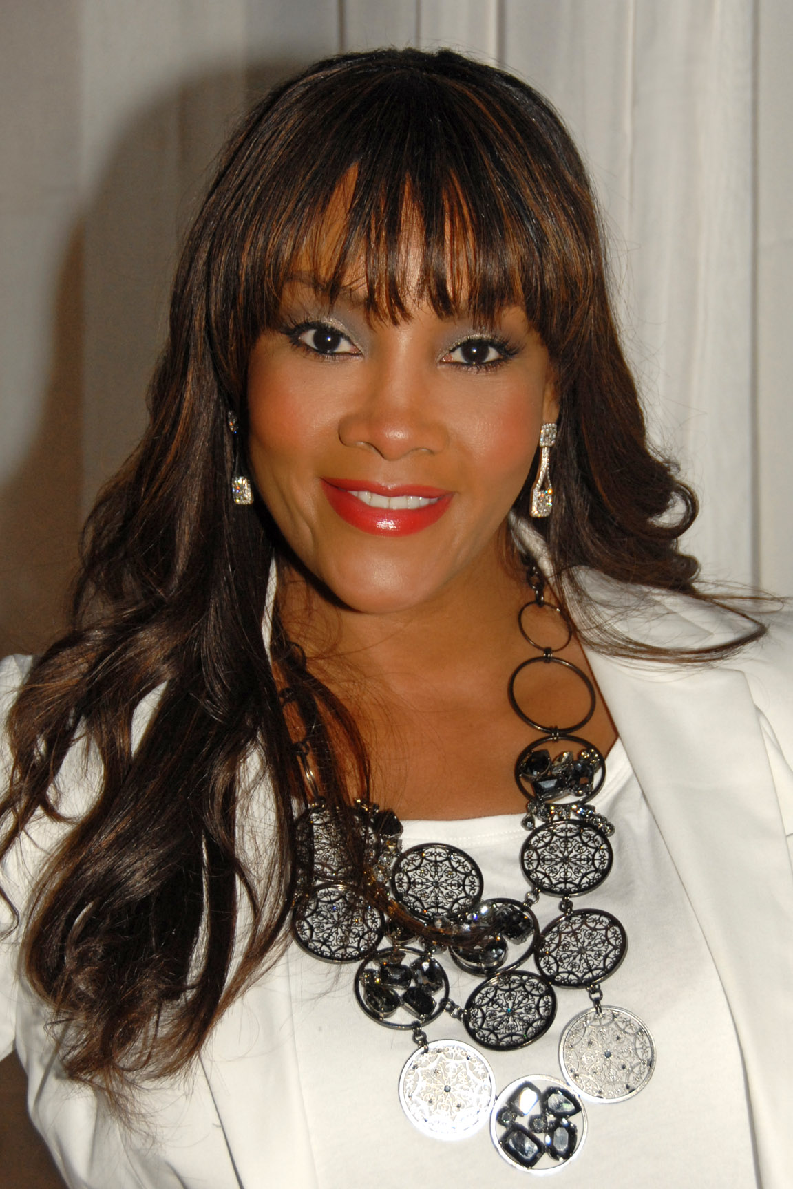 Vivica Fox  Human Hlw Natural Swiss Lace Front Wig