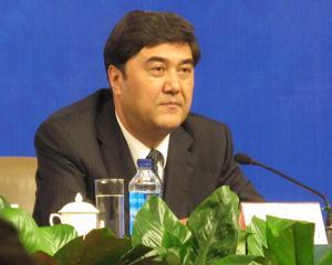 Voa chinese Xinjiang Governor Nur Bekri 7mar10.jpg