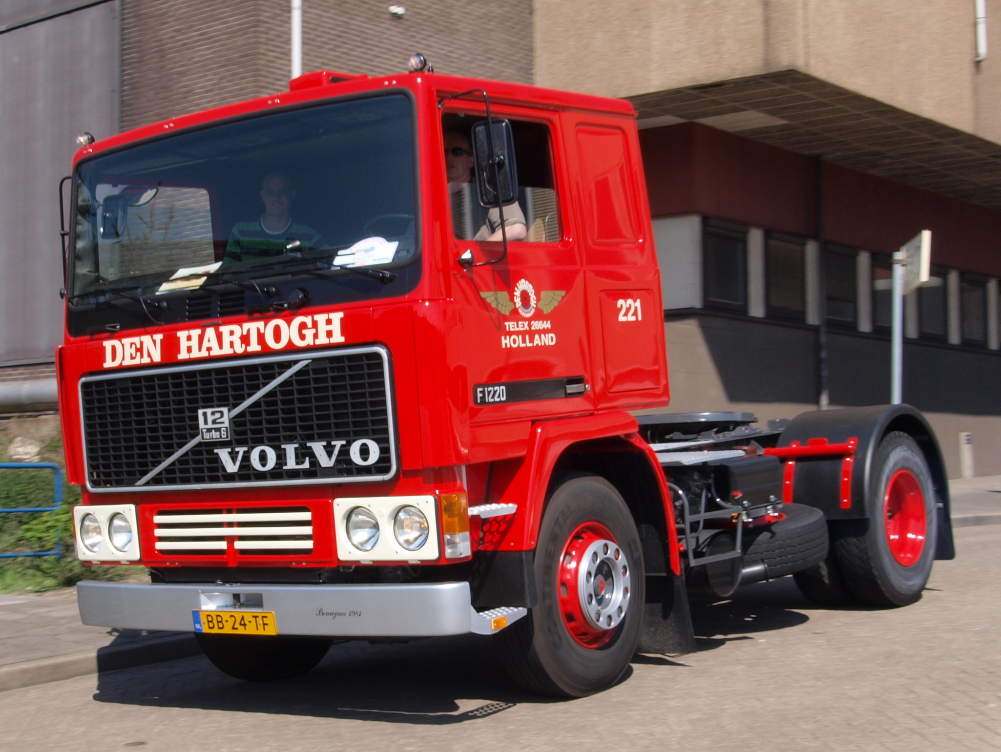 Volvo F10, F12, and F16 - Wikipedia
