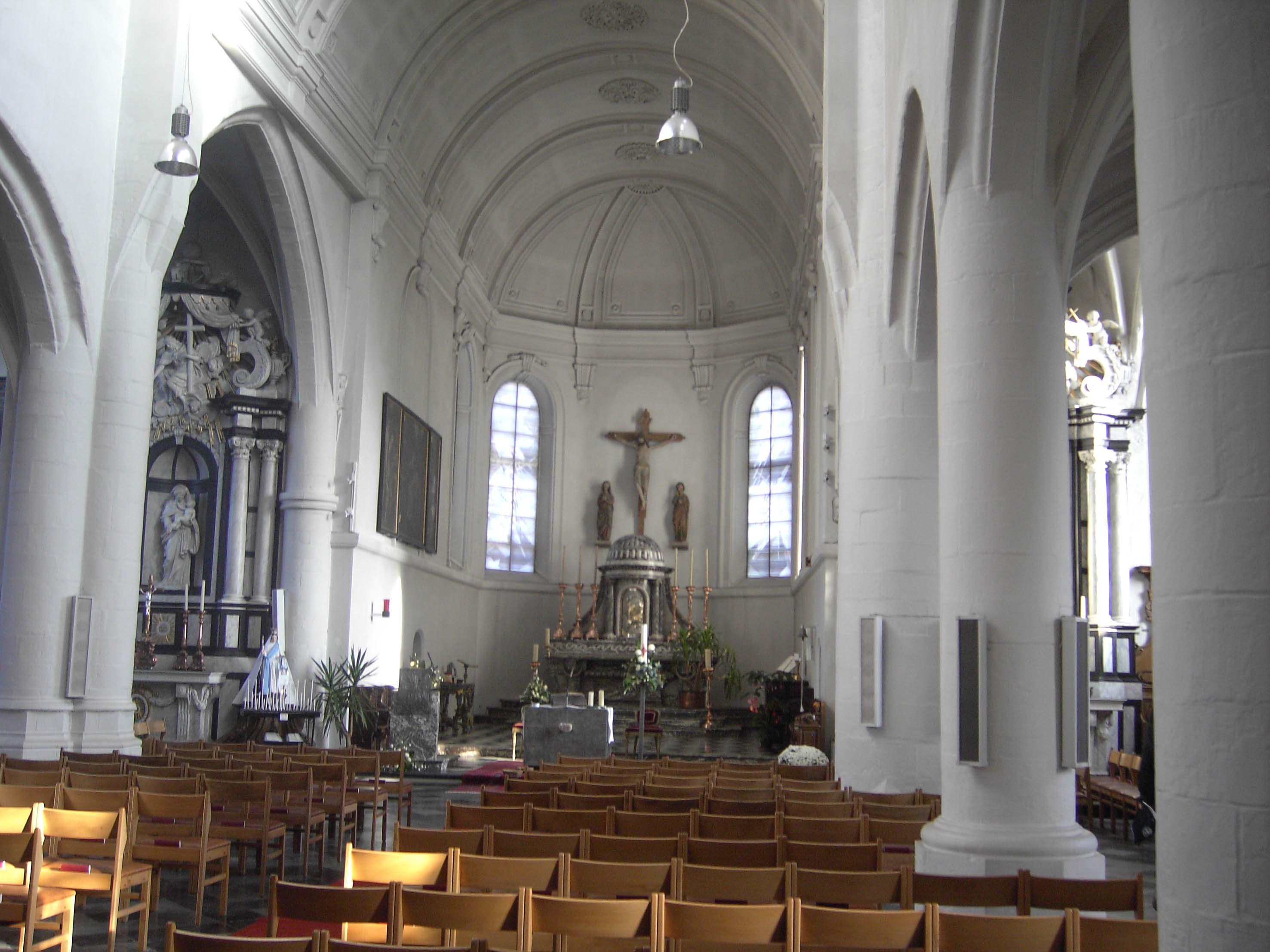File:Wezemaal (Rotselaar België) - interieur kerk.jpg - Wikimedia ...