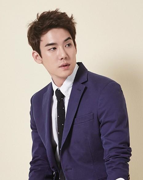 Lee Seung GI dating Moon Chae vann