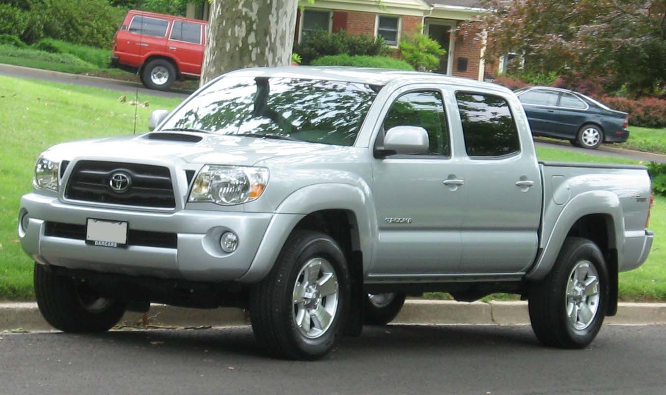 File:05-07 Toyota Tacoma Double Cab TRD.jpg - Wikimedia Commons