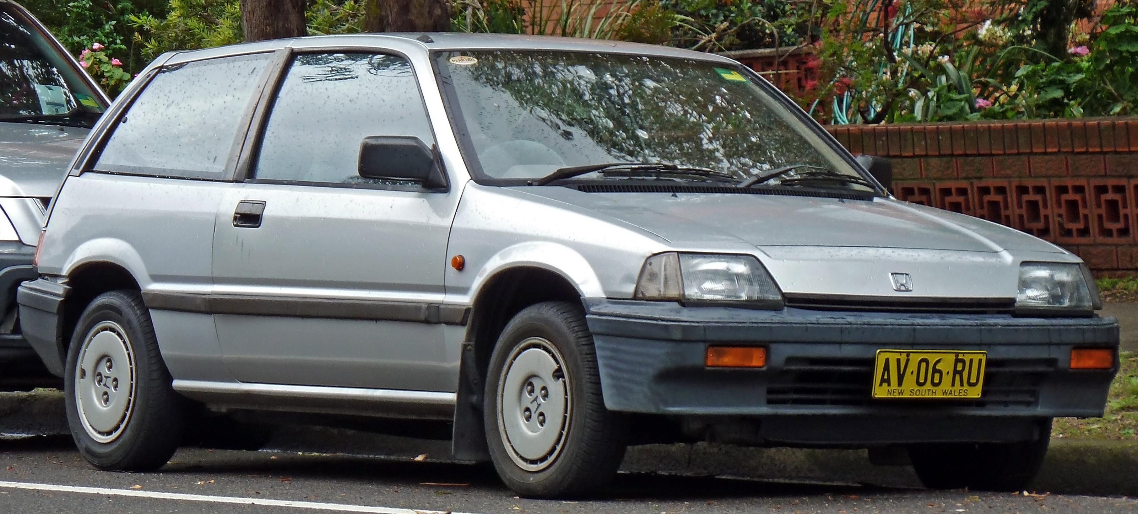 File:1987 Honda Civic (AH) GL hatchback (2010-10-02).jpg - Wikimedia Commons