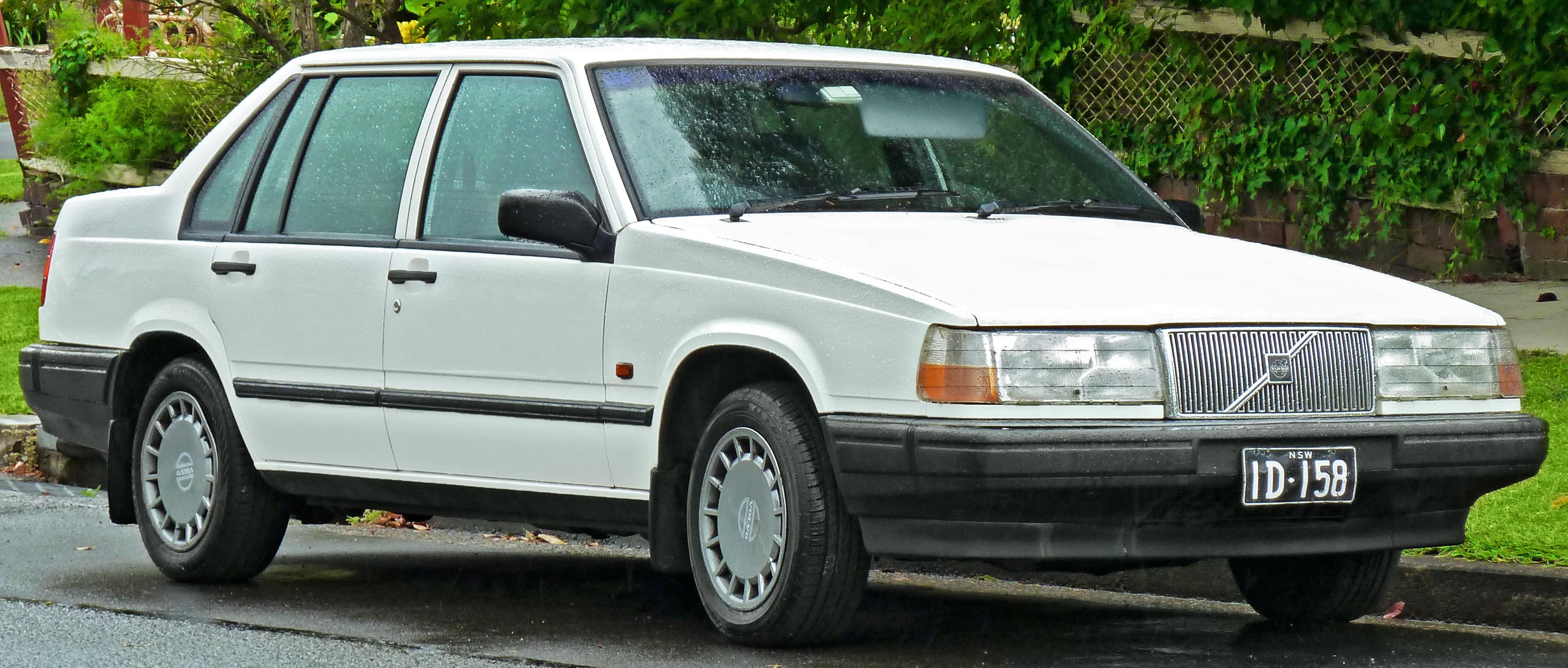 File 1992 Volvo 940 Gl Sedan 2011 10 25 Jpg Wikimedia