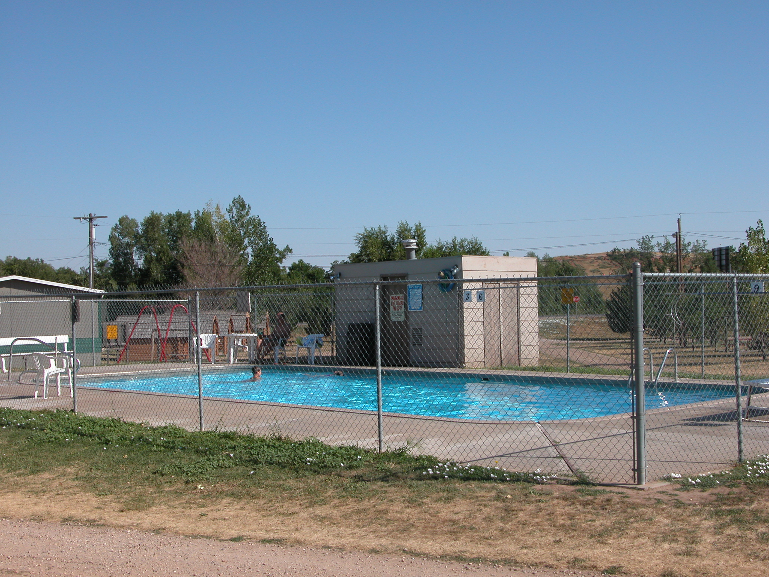 File 2003 08 16 Campground Swimming Pool In Spearfish South Wikimedia Commons
