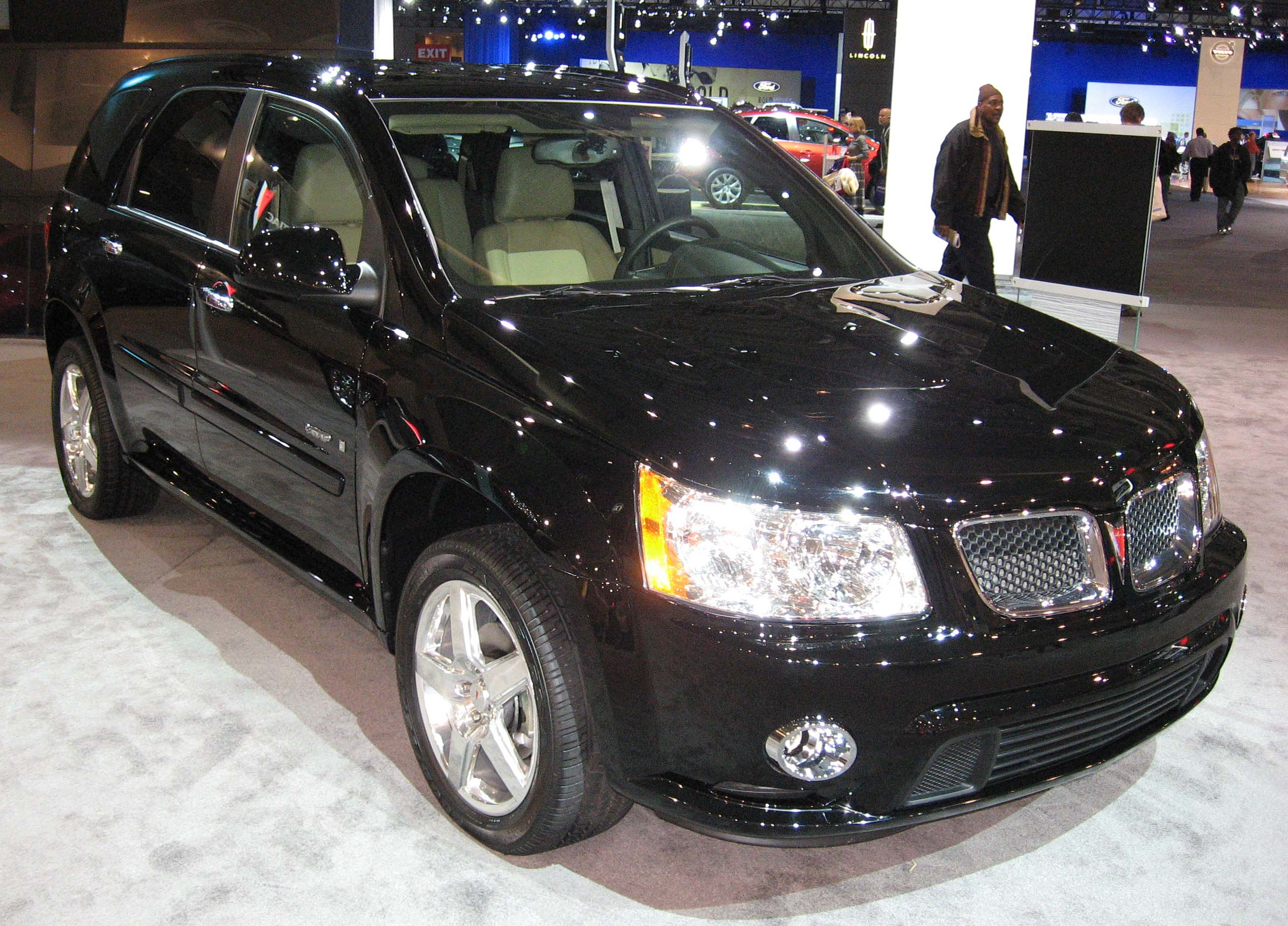 File:2008-Pontiac-Torrent-GXP-