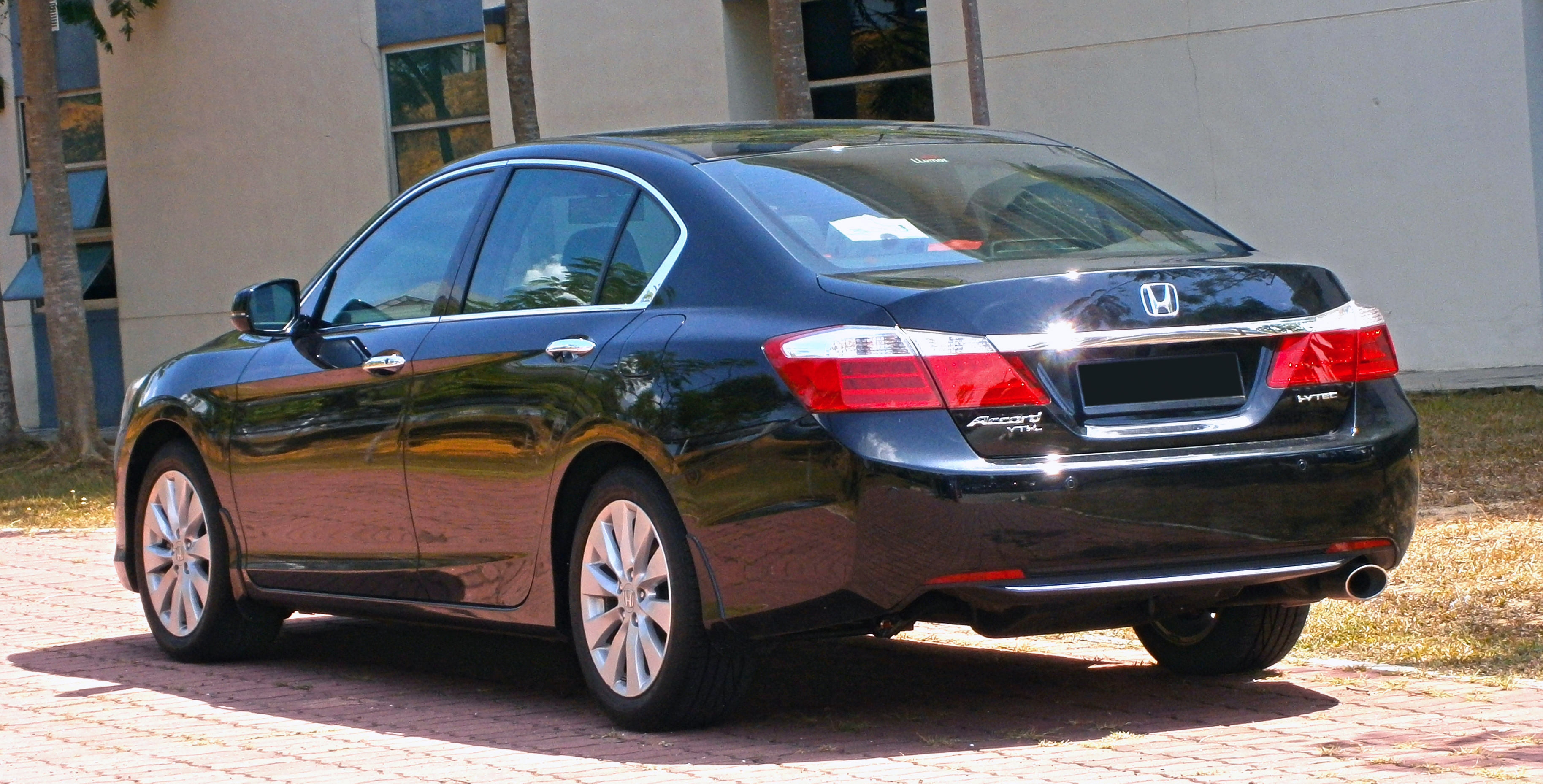 9Th Gen Accord >> File:2014 Honda Accord 2.0 VTi-L in Cyberjaya, Malaysia (03).jpg - Wikimedia Commons