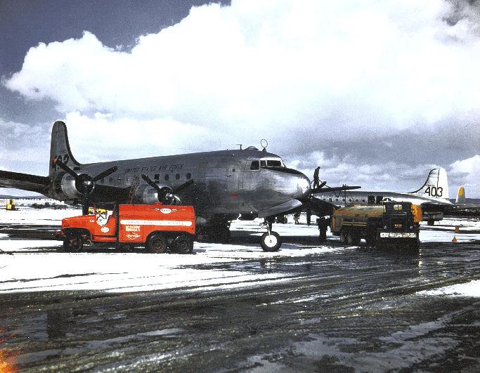 File:60thtcg-c54-berlinairlift-1948.jpg