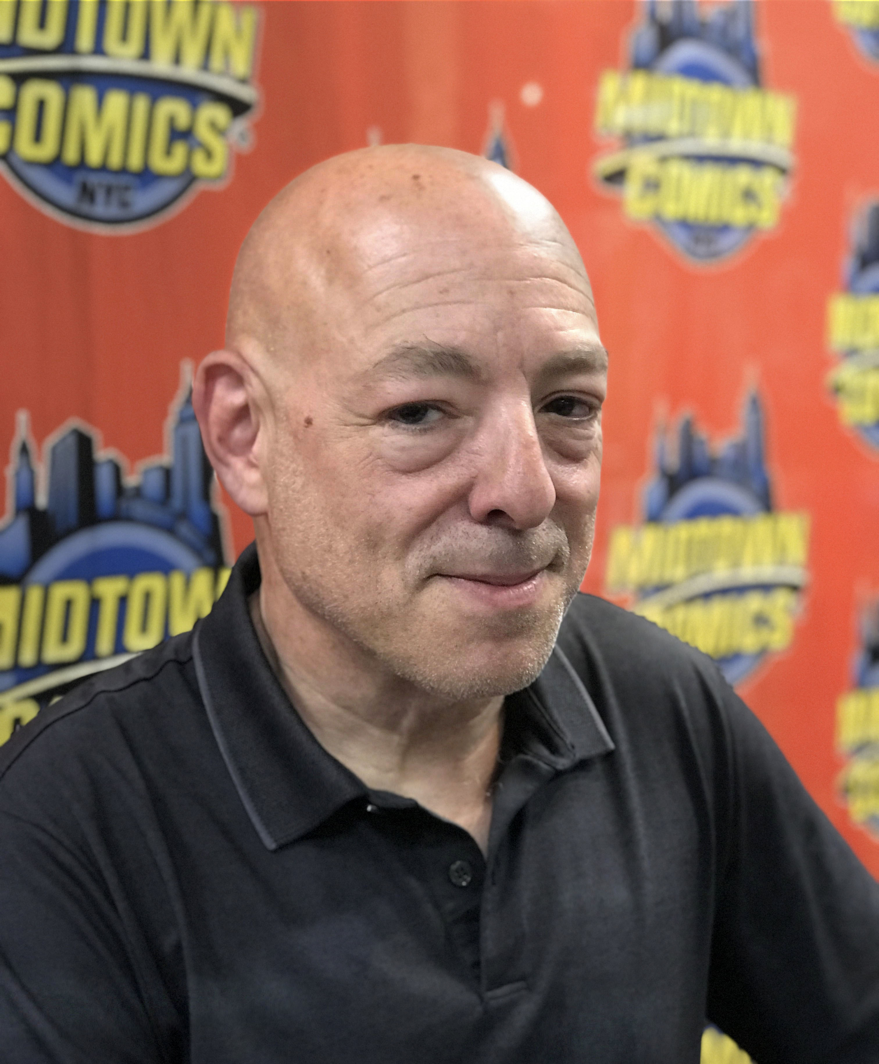 Bendis at an appearance at [[Midtown Comics]] in Manhattan