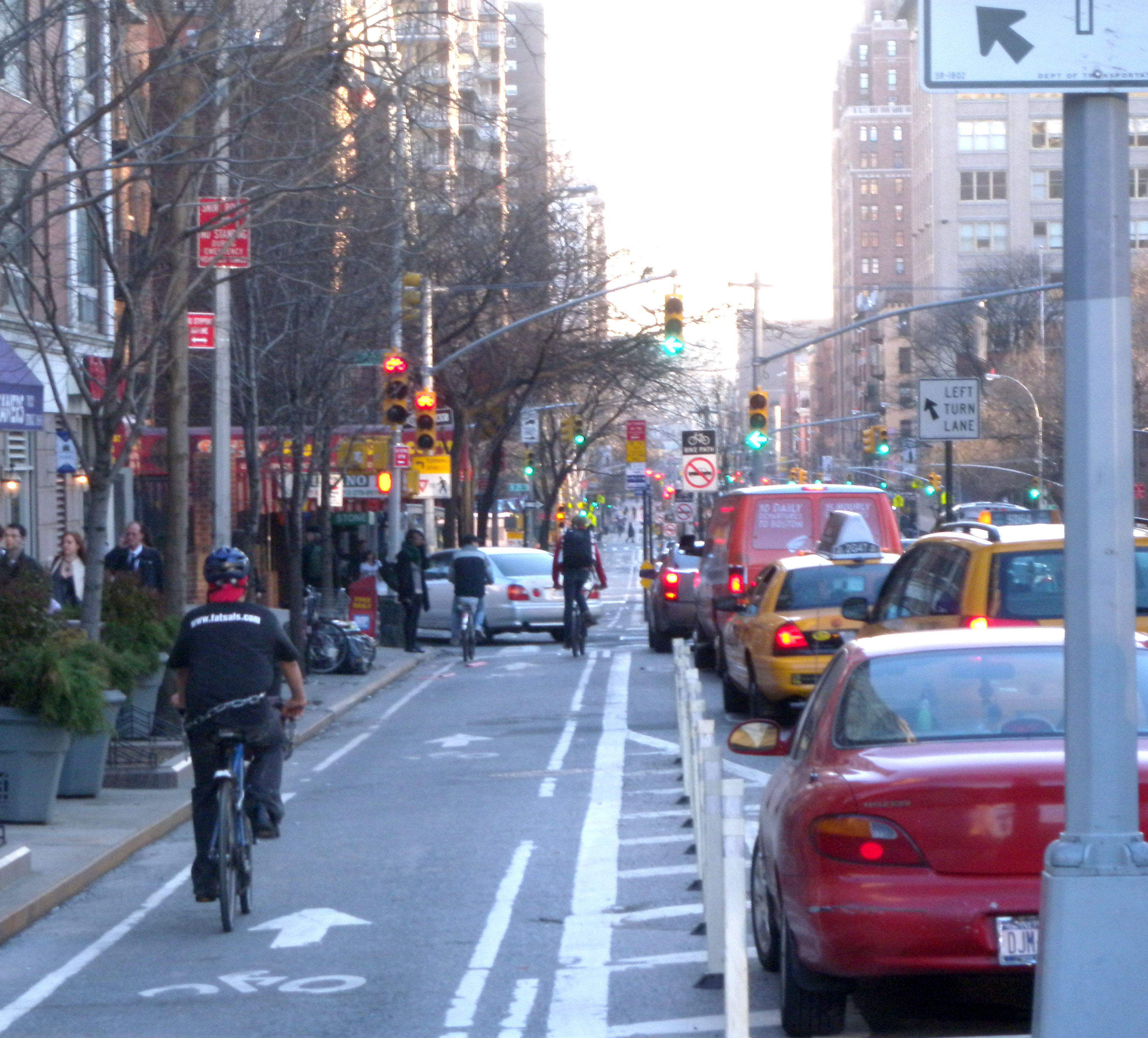 http://upload.wikimedia.org/wikipedia/commons/6/6c/9th_Av_30_St_bikelane_jeh.jpg