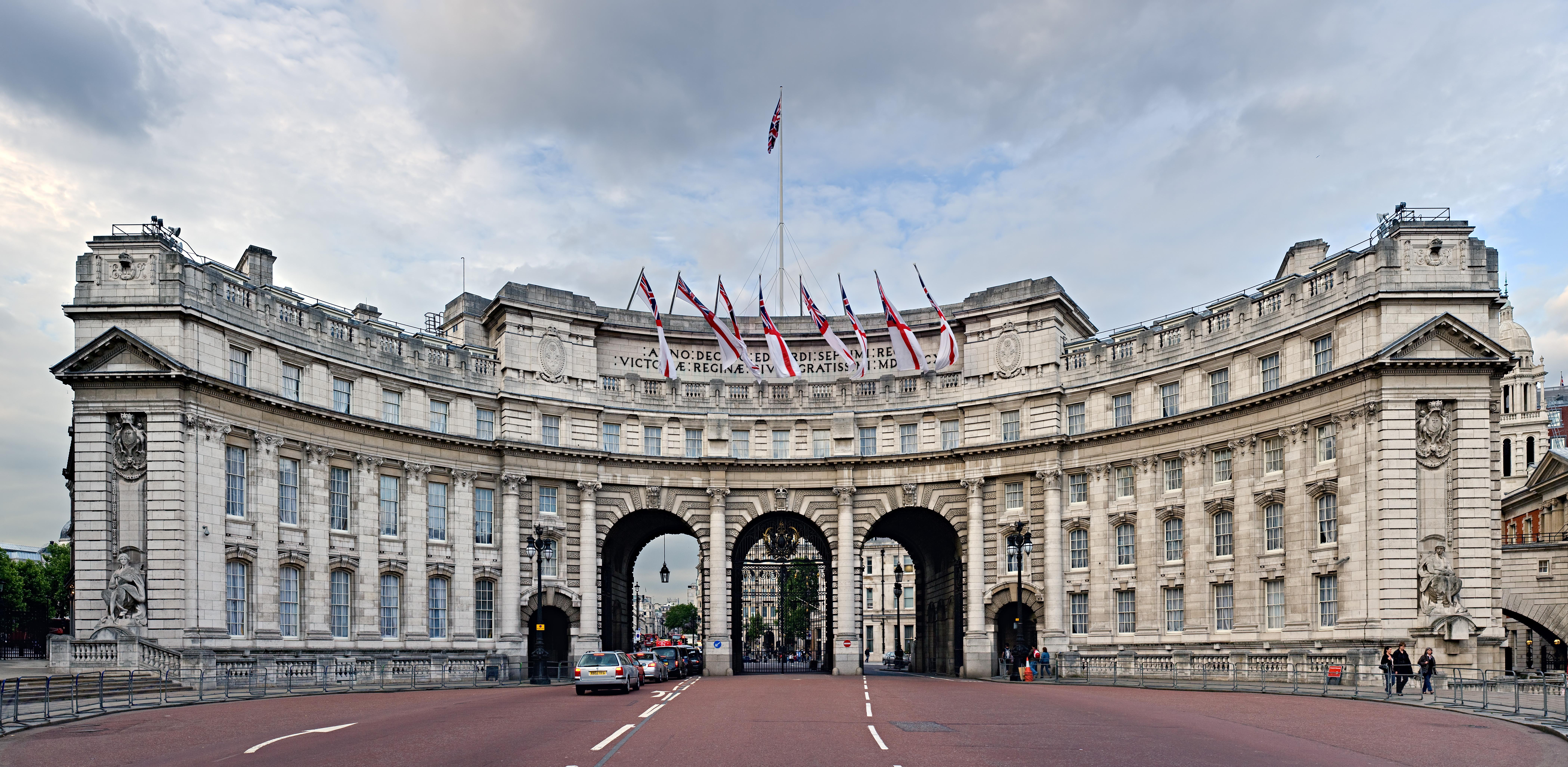 Description admiralty arch london england june 2009
