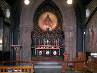 http://upload.wikimedia.org/wikipedia/commons/6/6c/All_Souls_Chapel_Interior.jpg