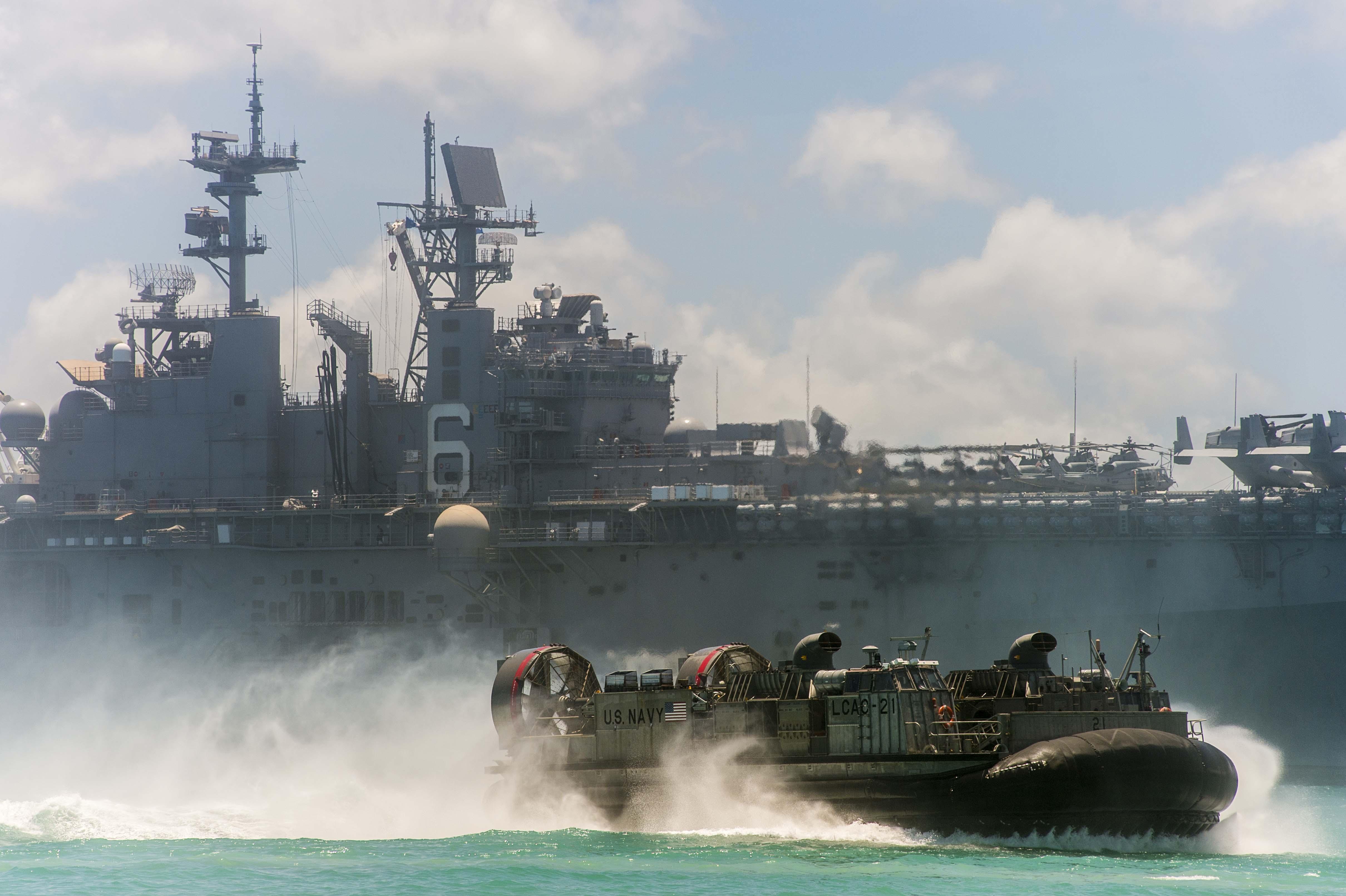 Landing,Craft,Air,Cushion,LCAC,Hover,Landing,Amphibious,Assault,craft