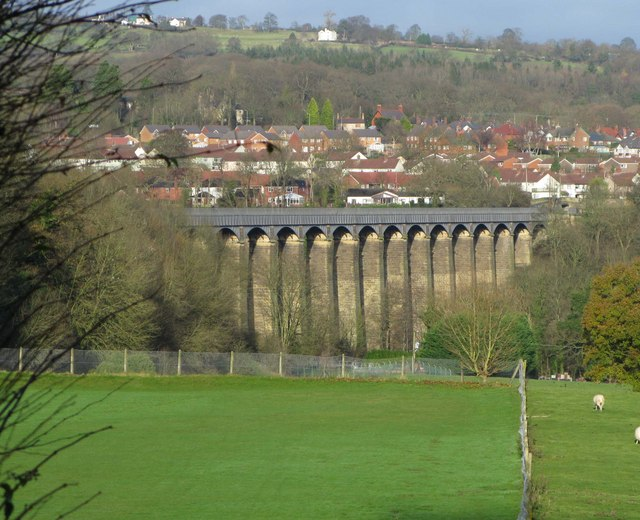 Aqueduct from the South East - geograph.org.uk - 1627689