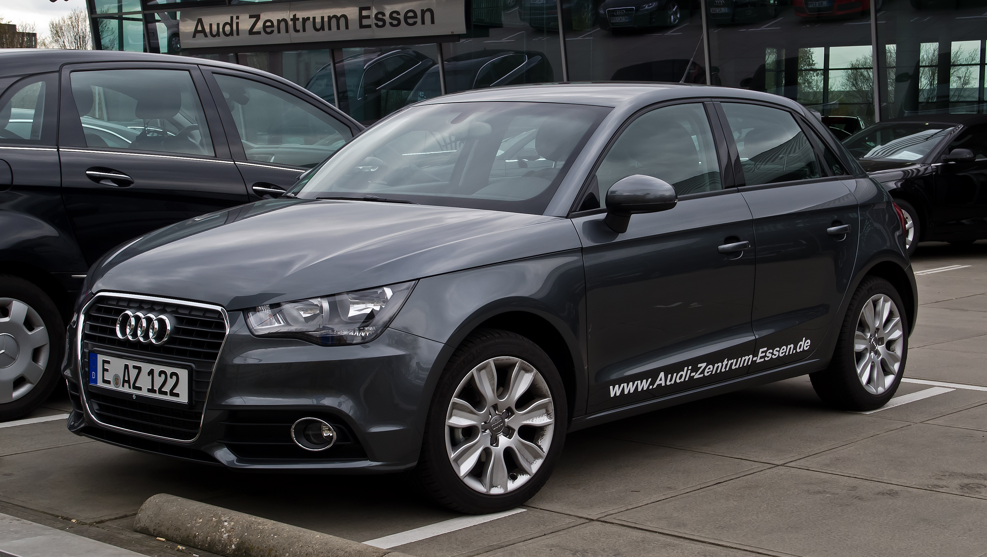 file audi a1 sportback 1 2 tfsi ambition frontansicht 1 april 2012 wikimedia. Black Bedroom Furniture Sets. Home Design Ideas