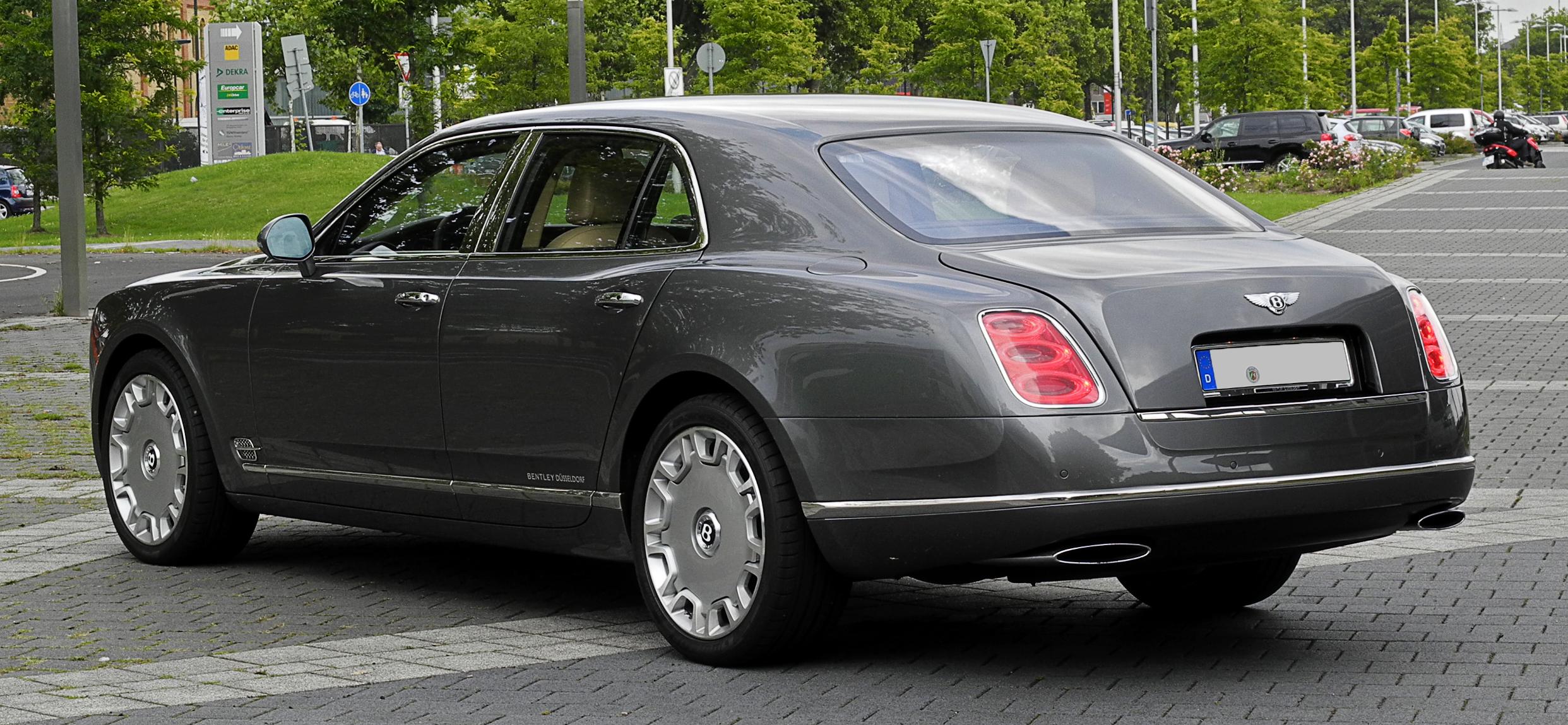 Plik Bentley Mulsanne – Heckansicht 1 10 August 2011 Düsseldorf