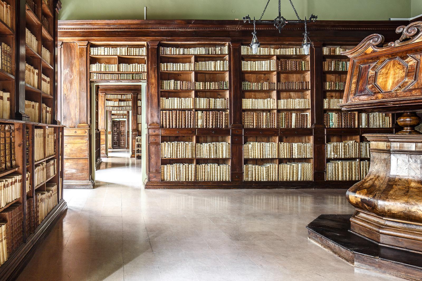 Risultati immagini per biblioteche