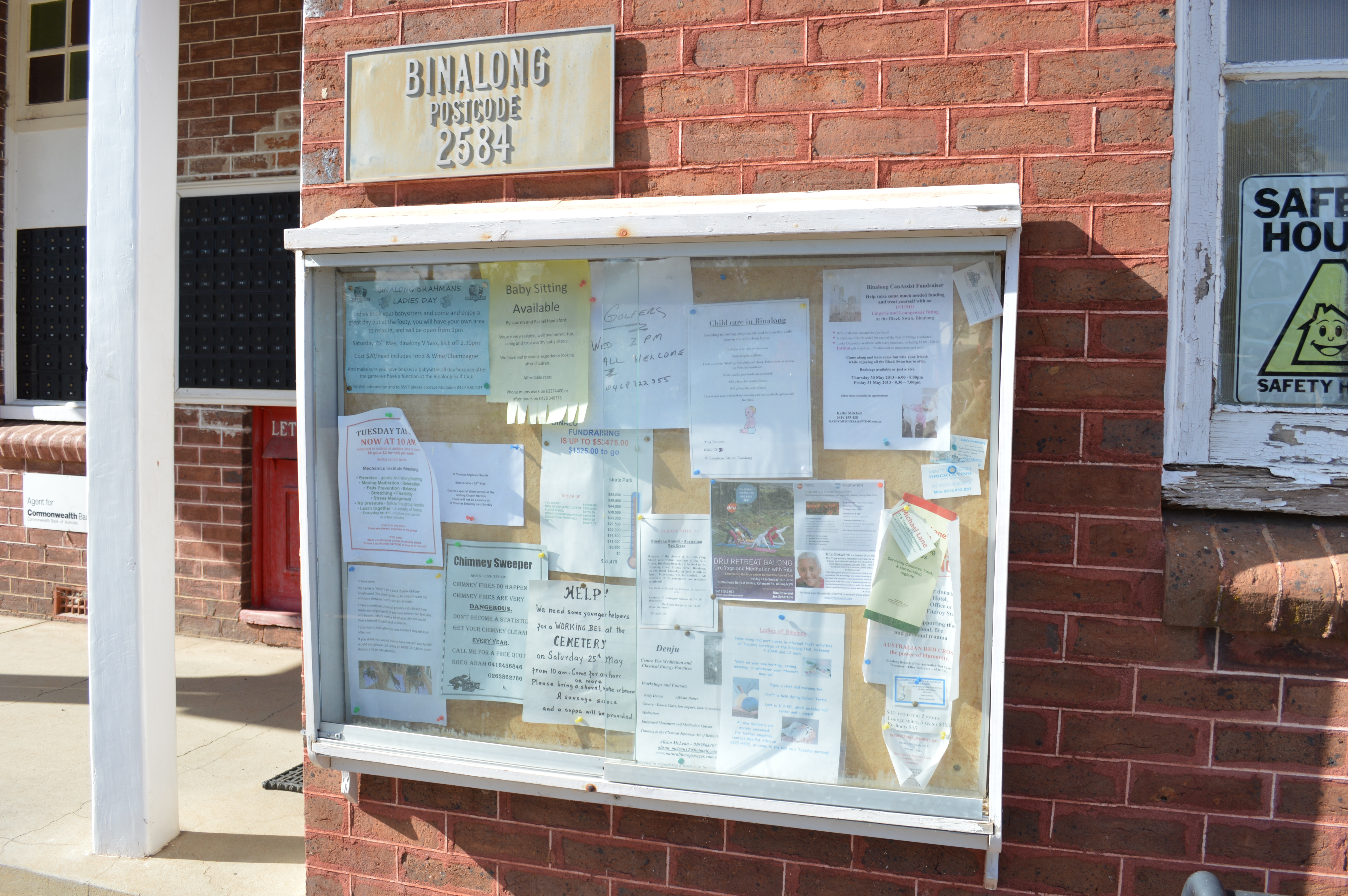 File:Binalong Post Office Noticeboard.JPG