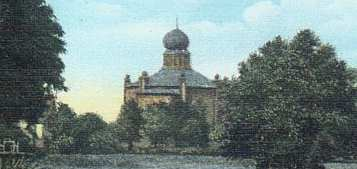 https://upload.wikimedia.org/wikipedia/commons/6/6c/Boles%C5%82awiec_Synagogue.jpg