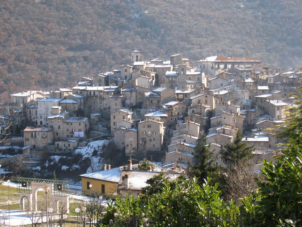 Borgo Antico Un Angelo E Poi