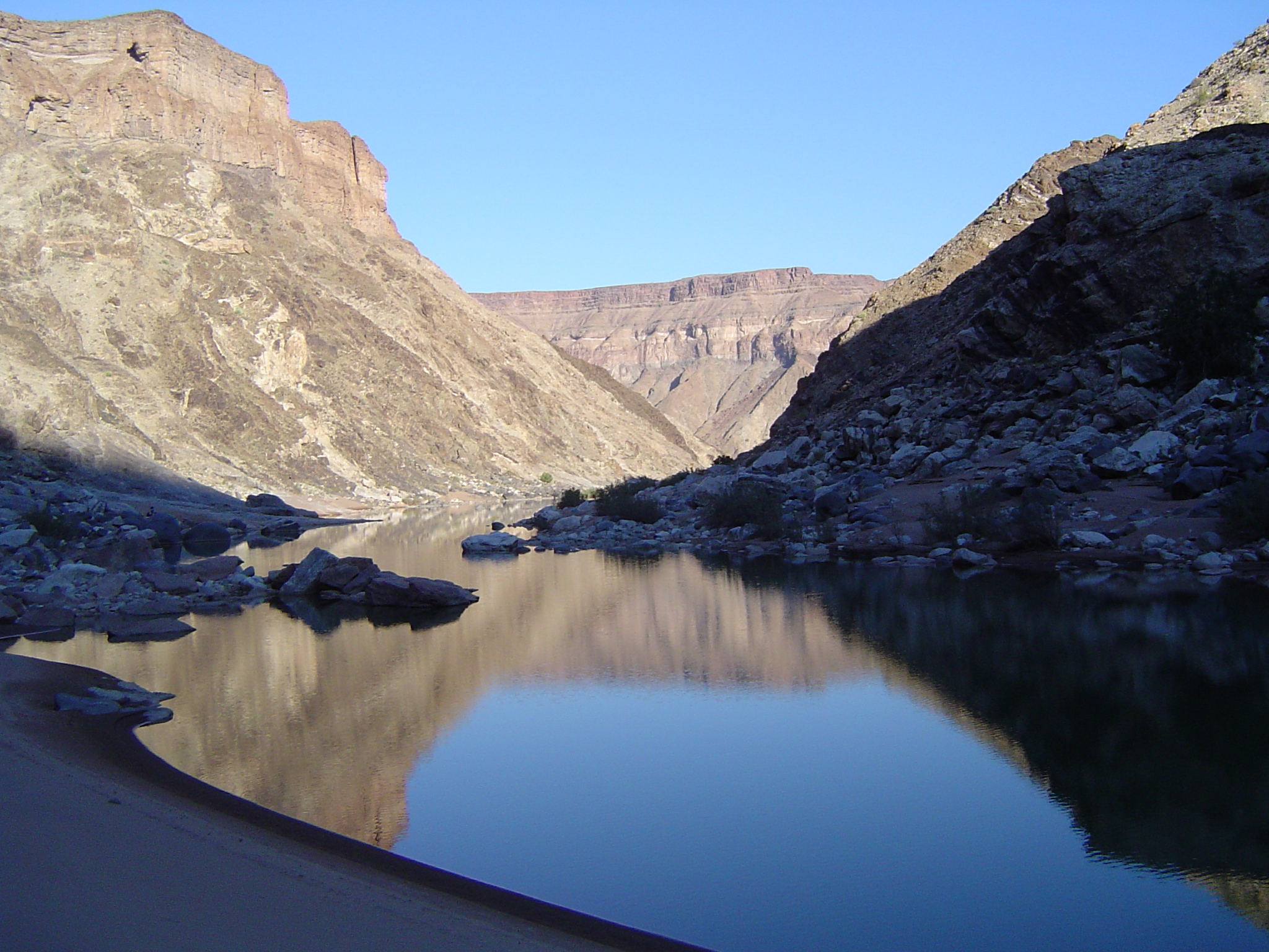 how to bottom fish river