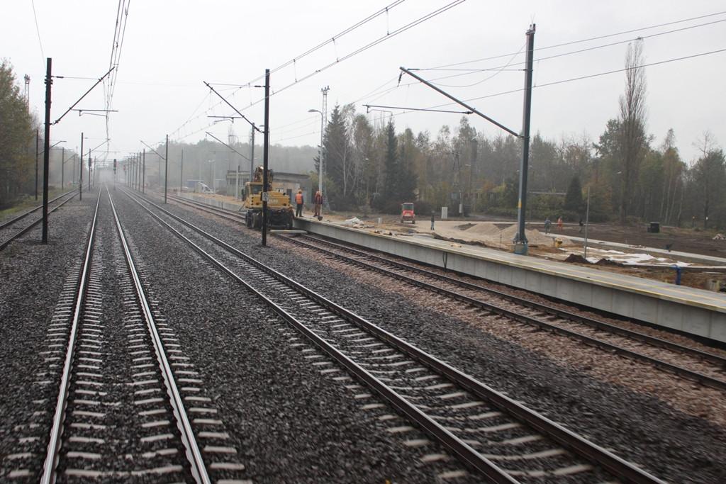 budowany peron (październik 2014)