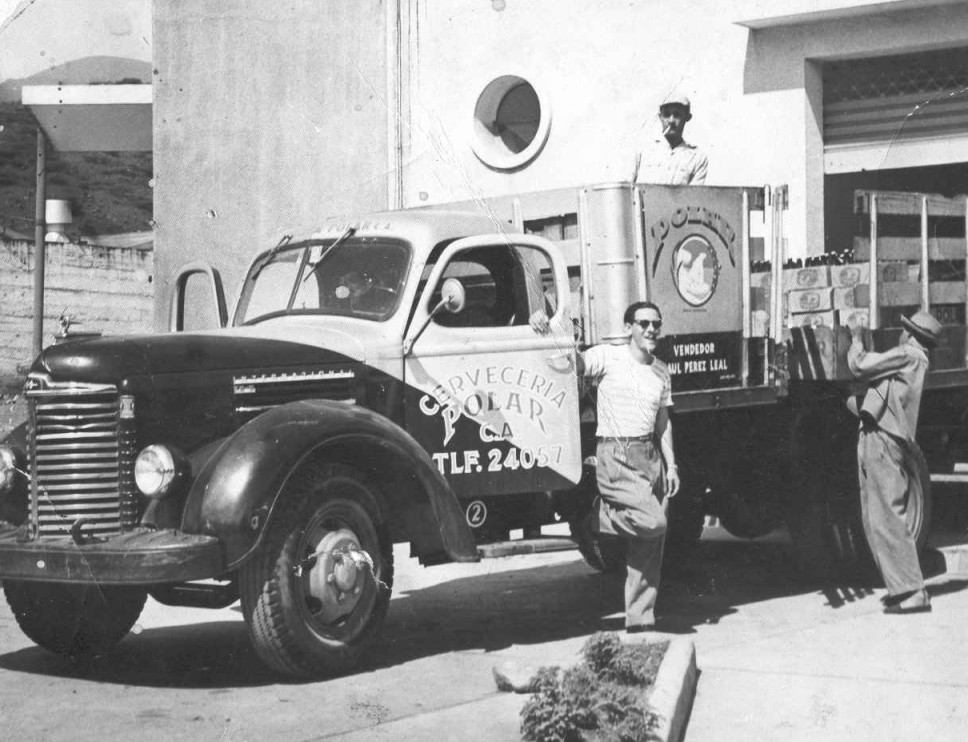 36 >> File:Camión antiguo.jpg - Wikimedia Commons