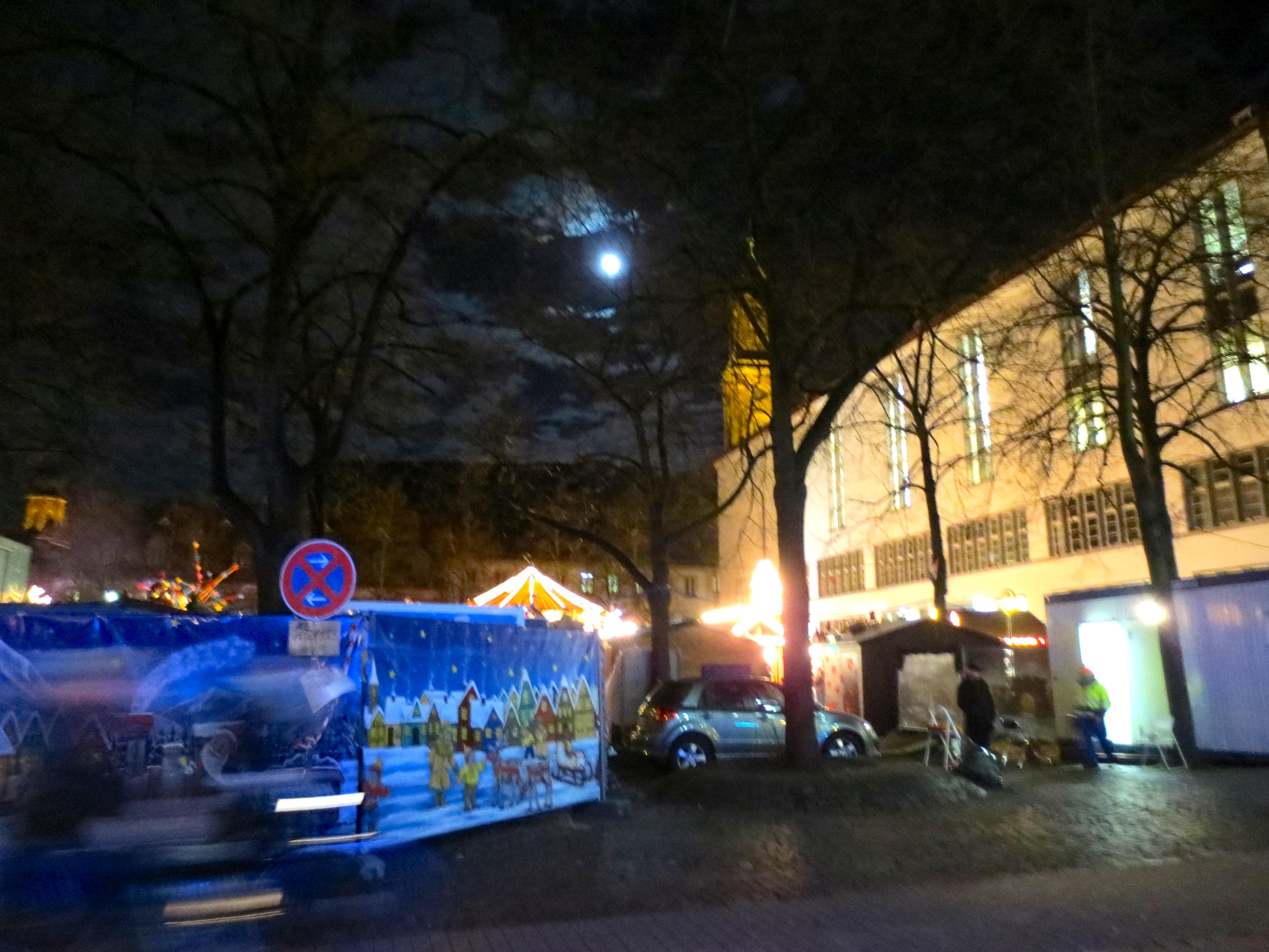 Heidelberg Weihnachtsmarkt.Datei Campus Altstadt Universitätsplatz Heidelberg Weihnachtsmarkt