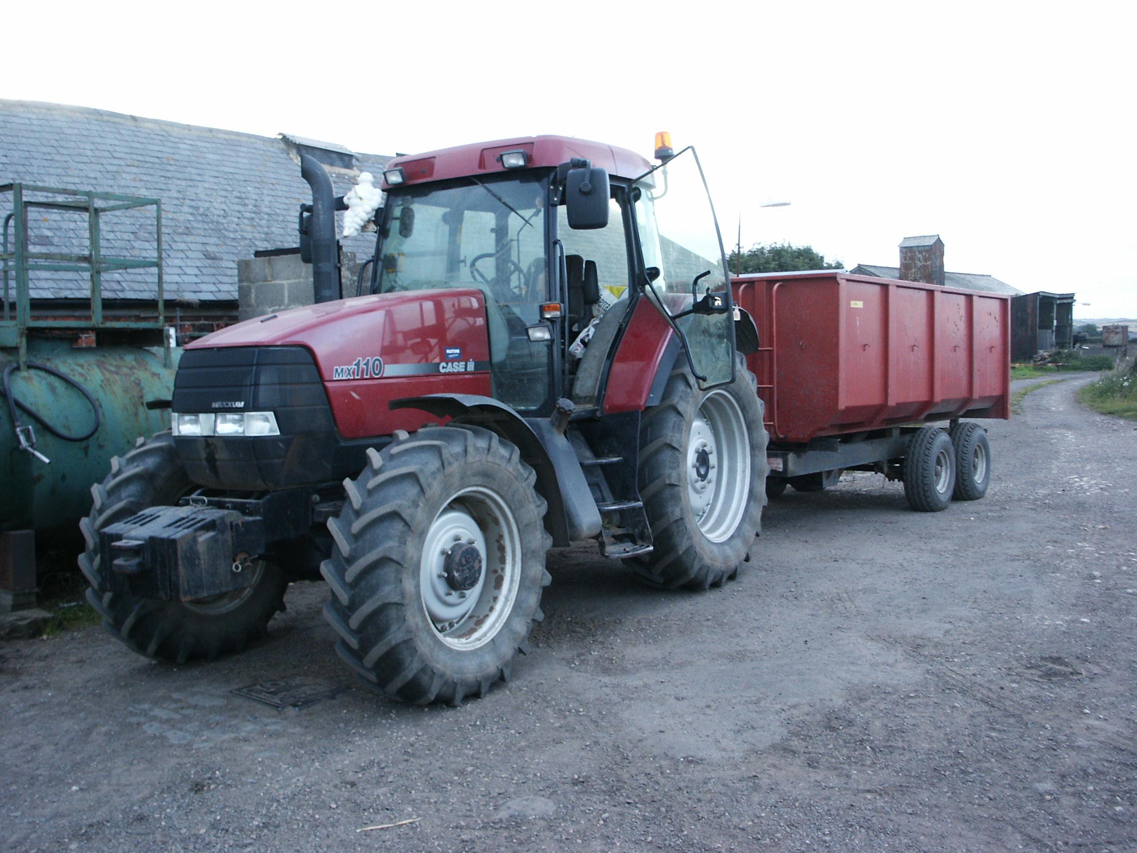 Case Tractor Mx110 : File case mx maxxum with trailer g wikimedia commons