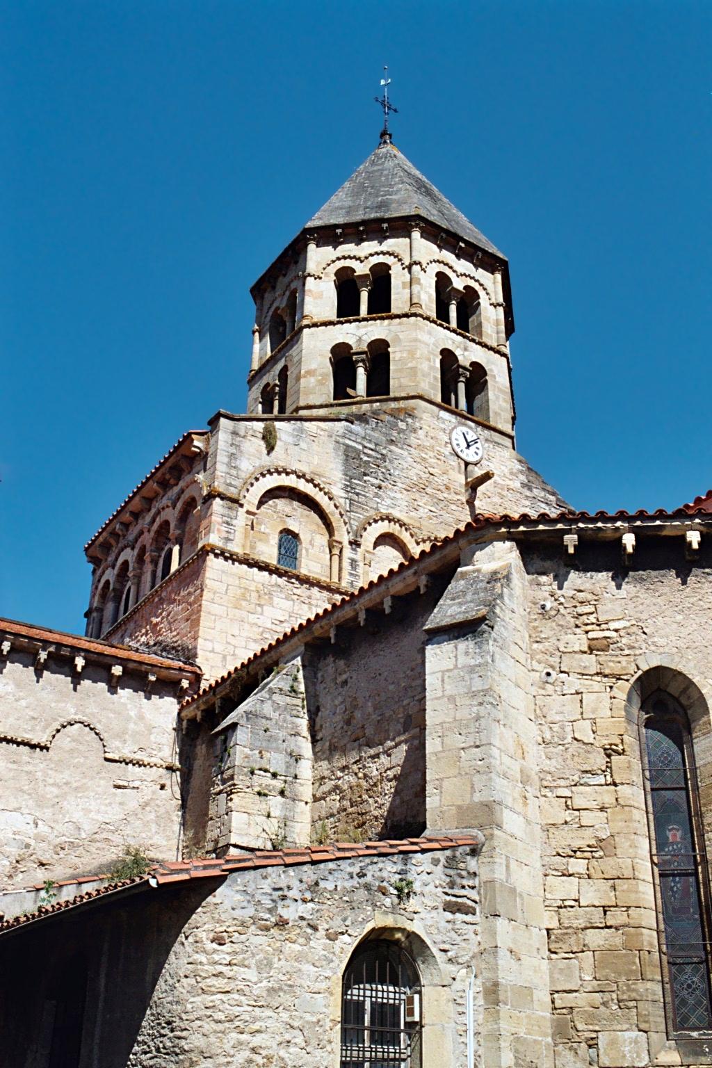 Glise saint julien de chauriat wikip dia for Architecture romane definition