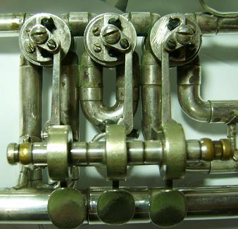 English: Rotary valves in a flugelhorn. Españo...