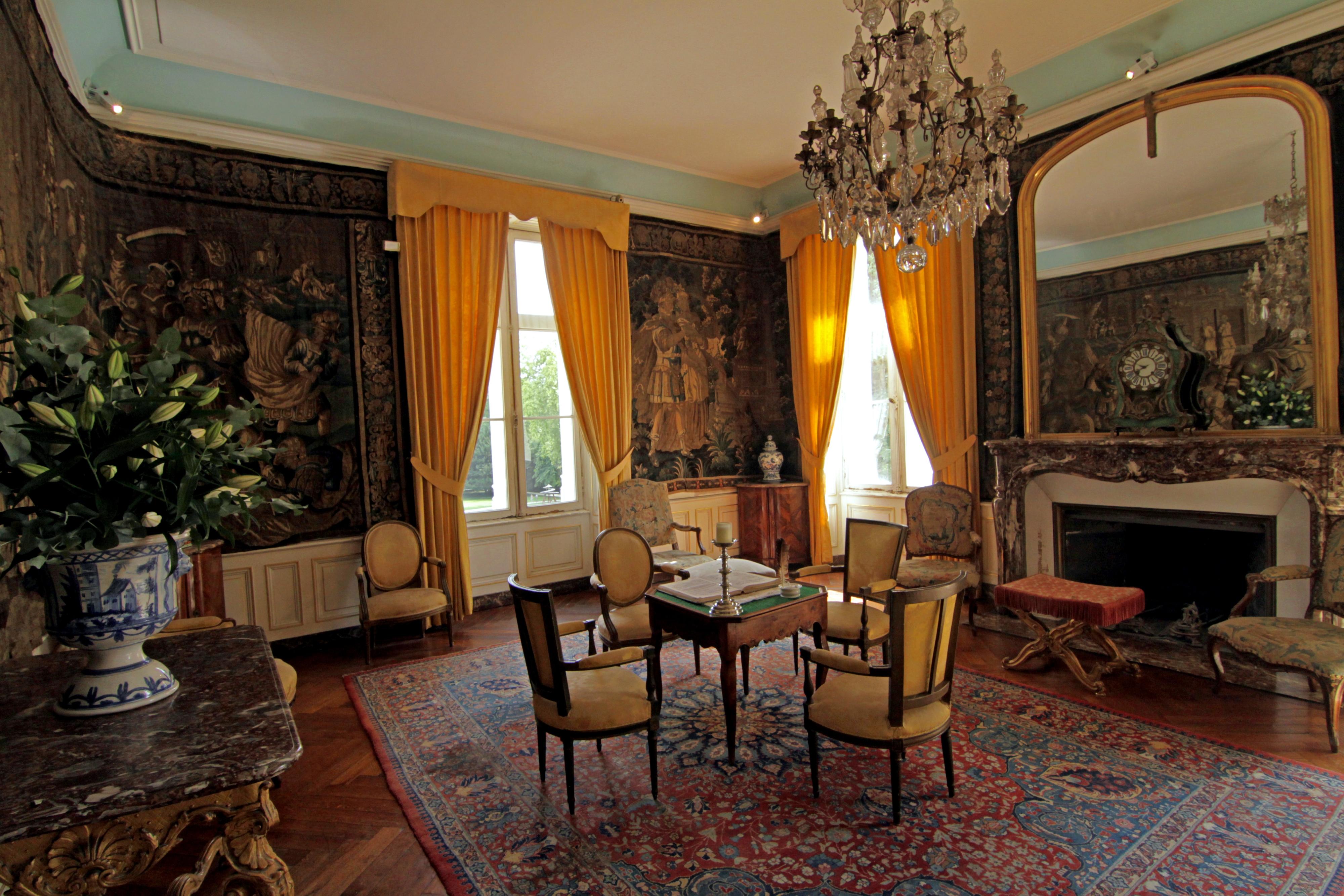 FileClos Luc Castle 18th century Parlourjpg