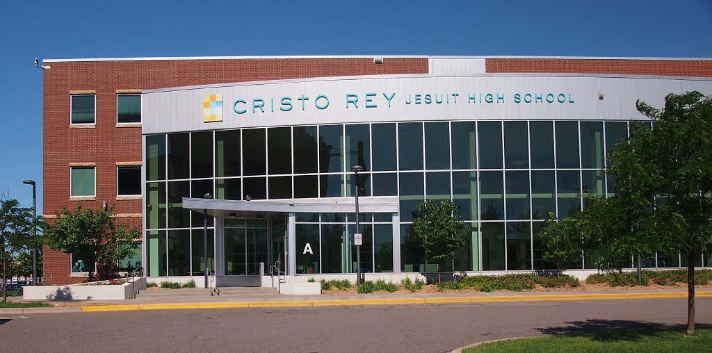 Cristo Rey Jesuit High School (Minneapolis) - Wikipedia