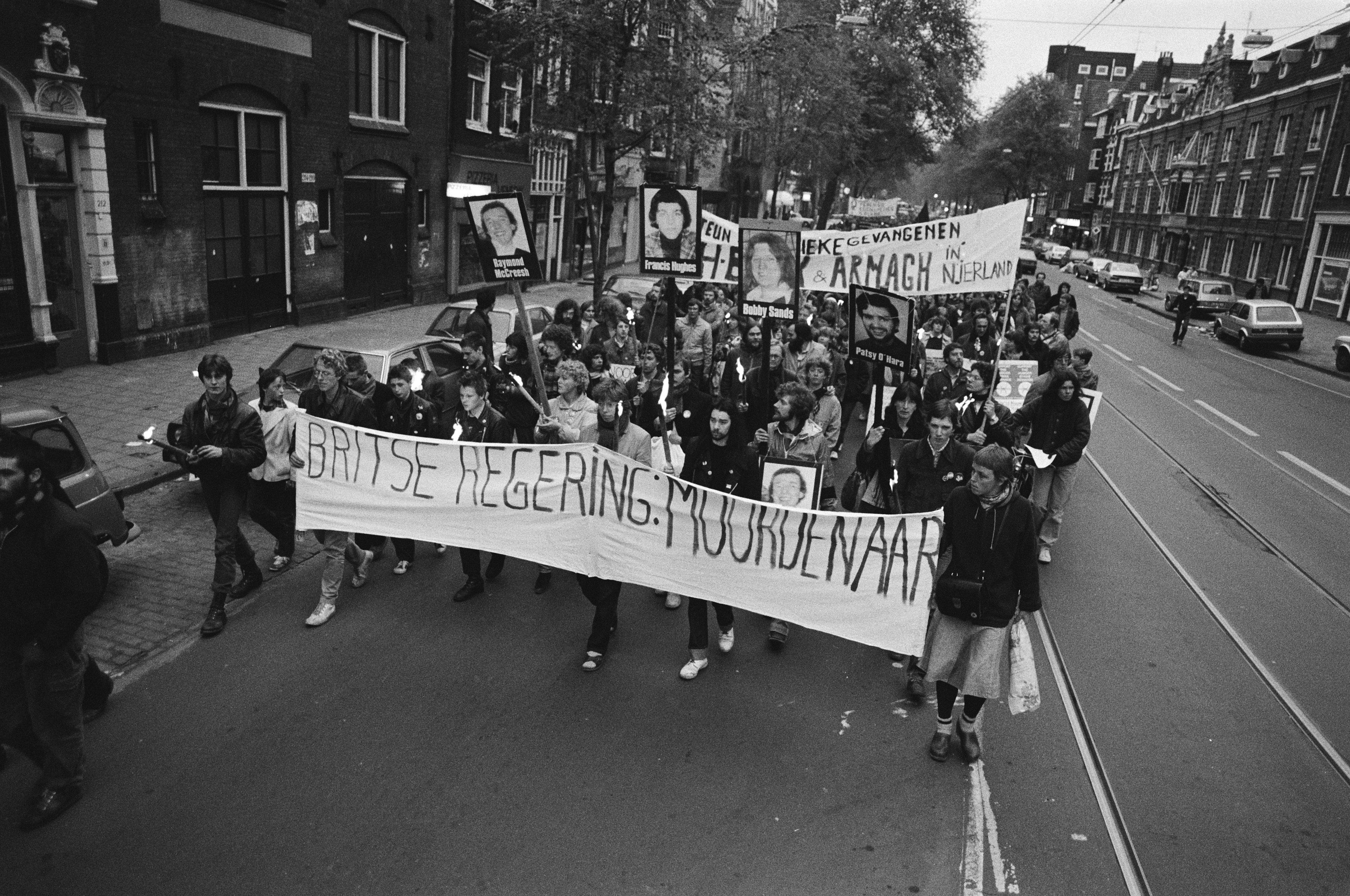 File demonstratie in amsterdam i v m overlijden van ira for Demonstratie amsterdam