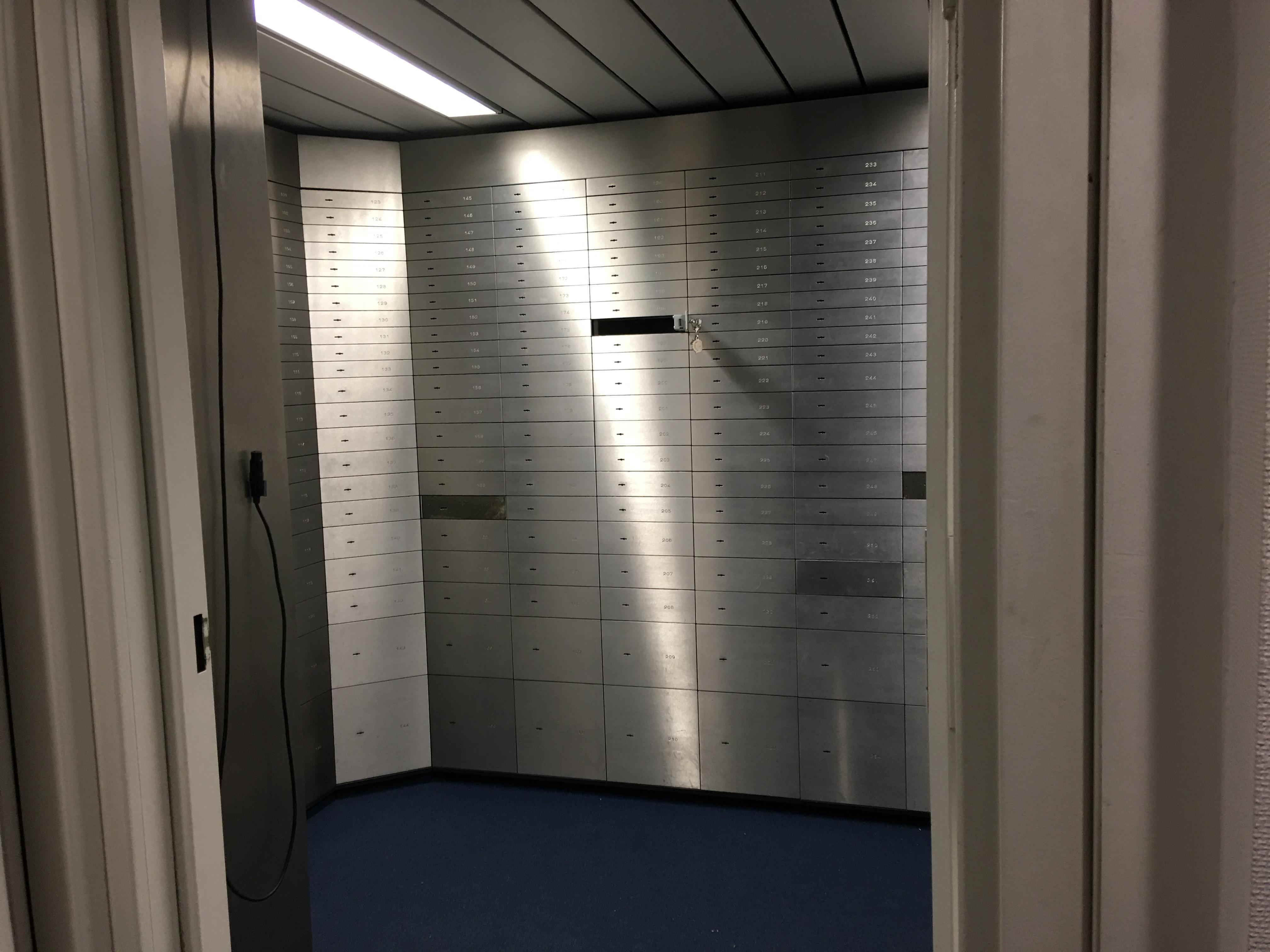 Deutsche Bank Schliessfach