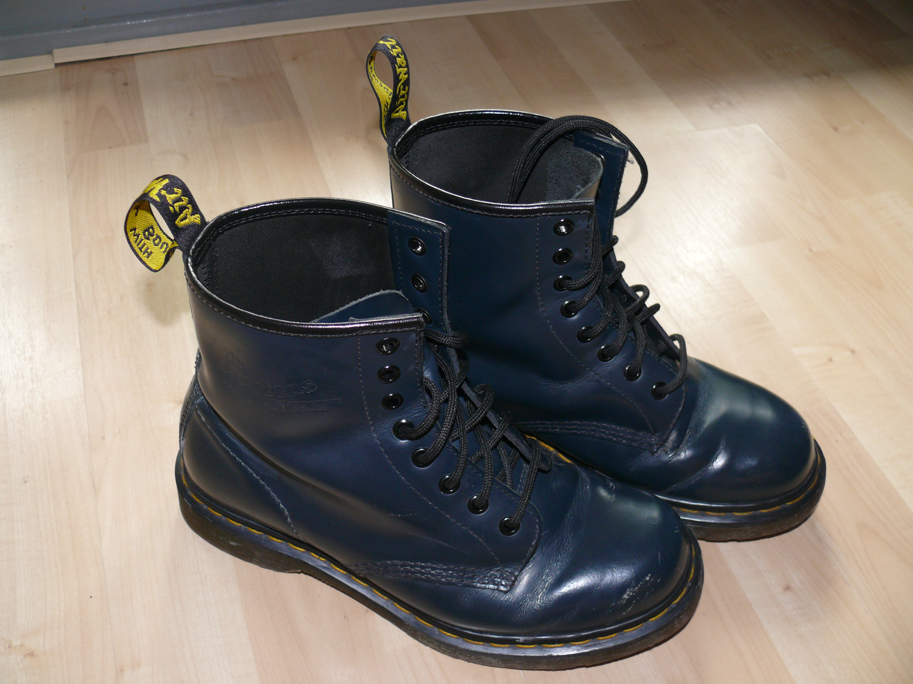 Best Boots For Dog Walking Uk