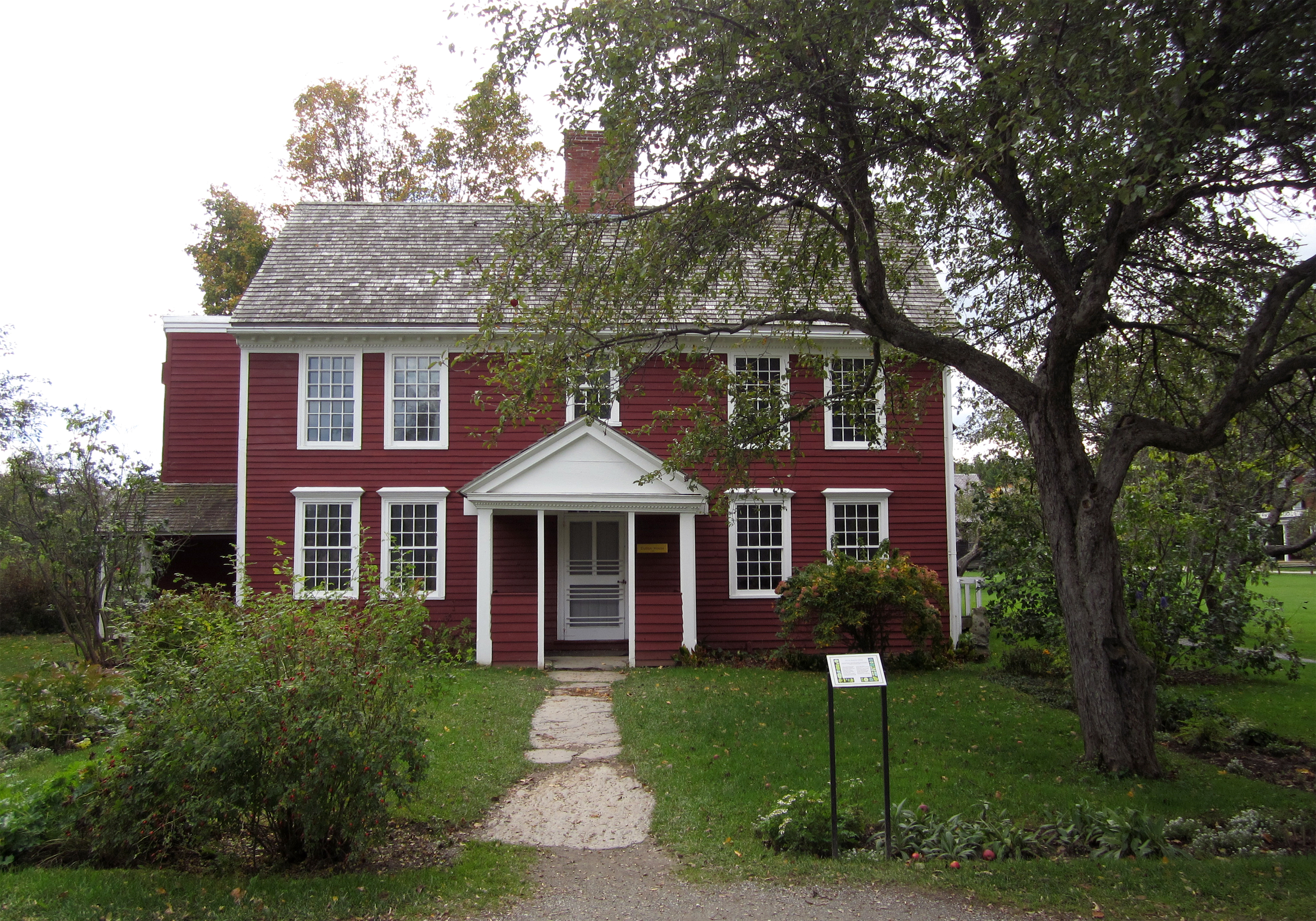 File dutton house wikimedia commons for Home builders in vermont