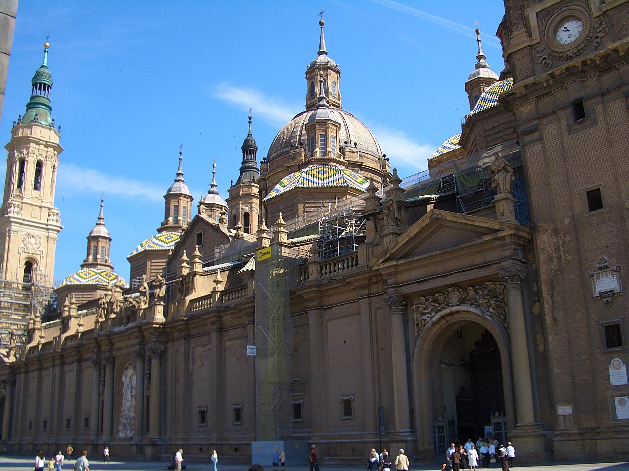 File:E5242-Zaragoza-Nuestra-Senora-del-Pilar.jpg ...