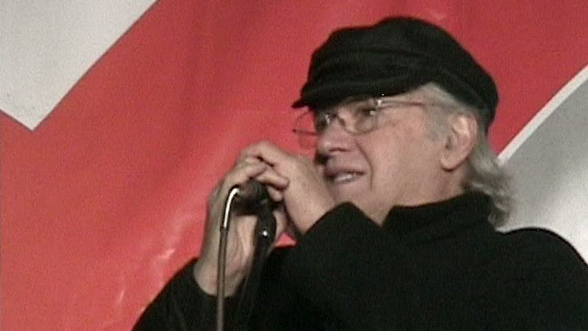 Eduardo Carrasco Pirard en evento benéfico con Quilapayún en Santiago de Chile, en junio de 2009.